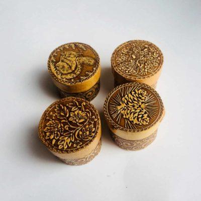 Schmuckdöschen mit Traditionellen Mustern von Angeldar